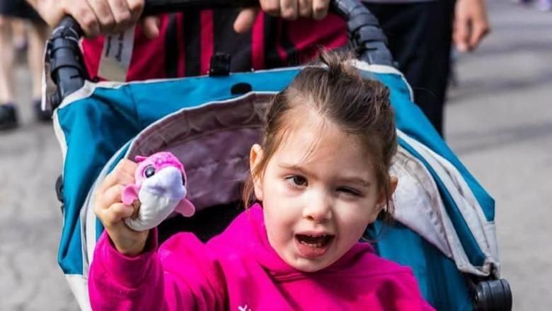 Kisah Menyentuh Bocah yang Kena Tumor Otak di Umur 3 Tahun/ Foto: Facebook