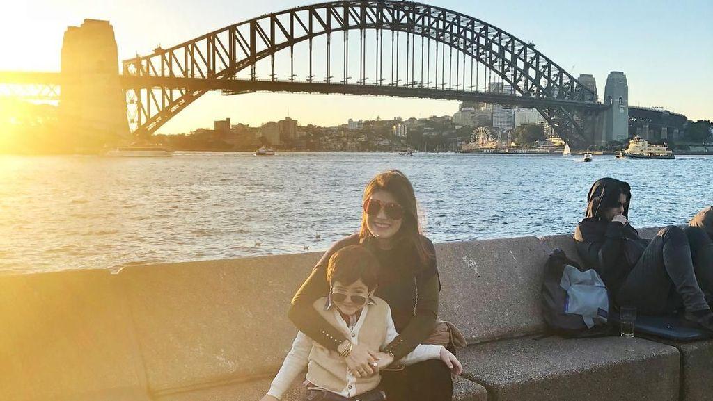 Foto: Asyiknya Carissa Putri Jalan-jalan di Australia