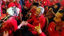 Politikus Senior Sabam Sirait Silaturahmi dengan Kader PDIP