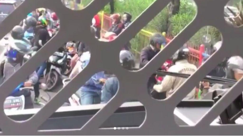 Lihat Deh Kelakuan Pemotor di Jakarta, Bikin Emosi!