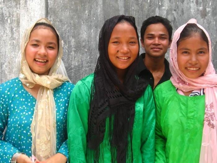 Gaya hijab muslimah Vietnam. Foto: Dok. Mvslim