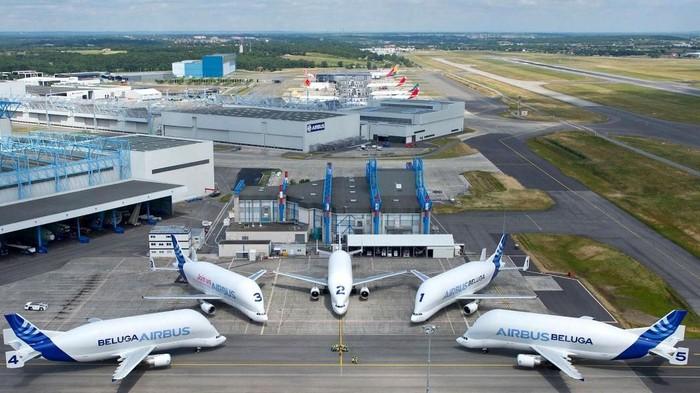 Airbus telah banyak memproduksi pesawat berukuran jumbo yang biasa dipakai untuk mengangkut komponen badan pesawat berukuran besar. Seperti apa bentuknya?