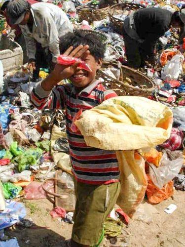 Kisah Inspiratif Pria yang Dulu Pemulung Sampah Kini Sukses Jadi Sarjana