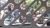 Aksi Pemotor Bahu-Membahu Kabur dari Razia Busway di Jakbar