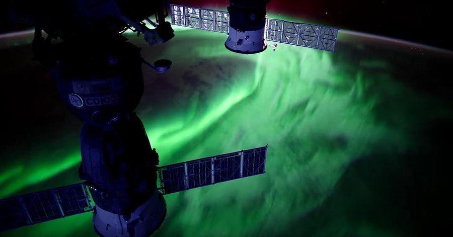 NASA sering mengupload potret Bumi dari luar angkasa, termasuk Aurora. Inilah Aurora yang terlihat dari International Space Station (Instagram/nasa)