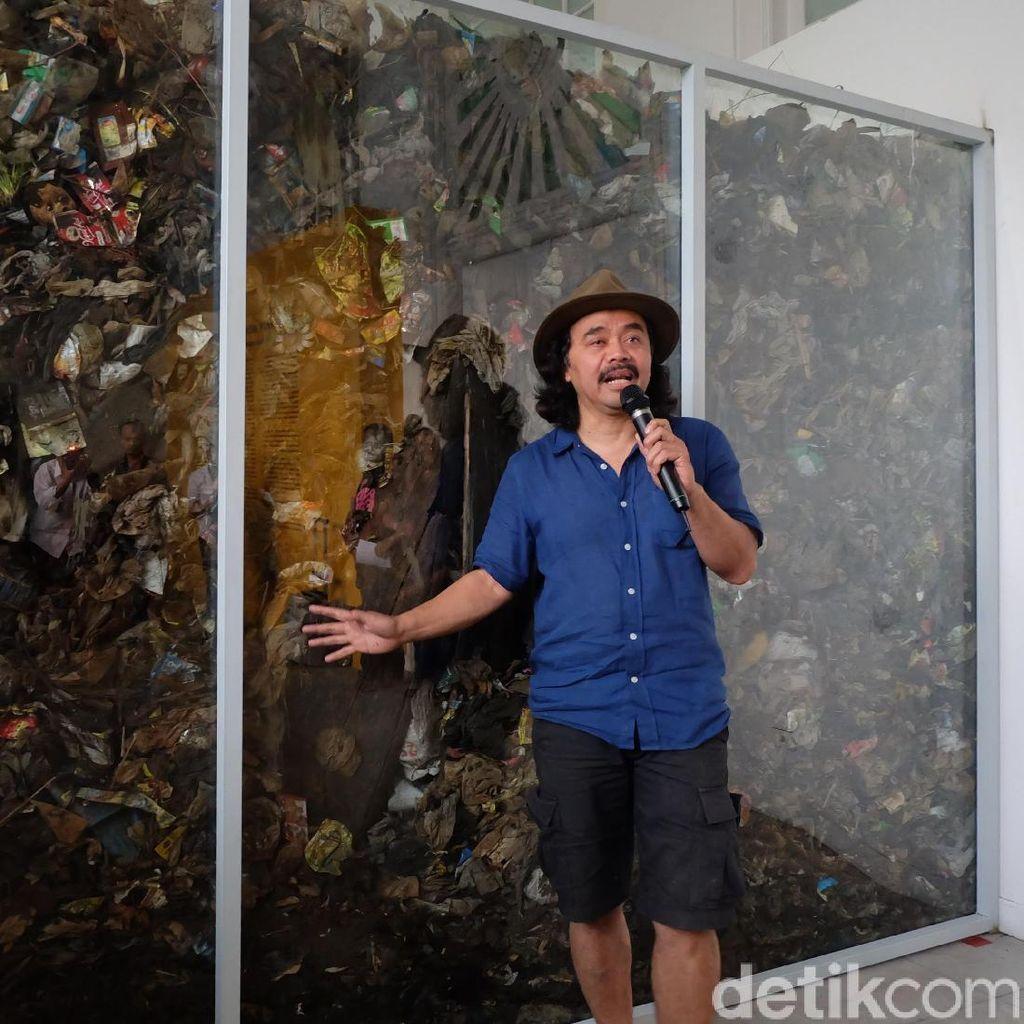 Satu Truk Sampah Sungai Citarum Diboyong Tisna Sanjaya ke Jakarta