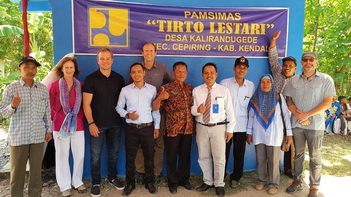 Pemeran Jason Bourne ini berada di Indonesia dalam misinya sebagai aktivis lingkungan di Water.org. Dok water.org/Istimewa.