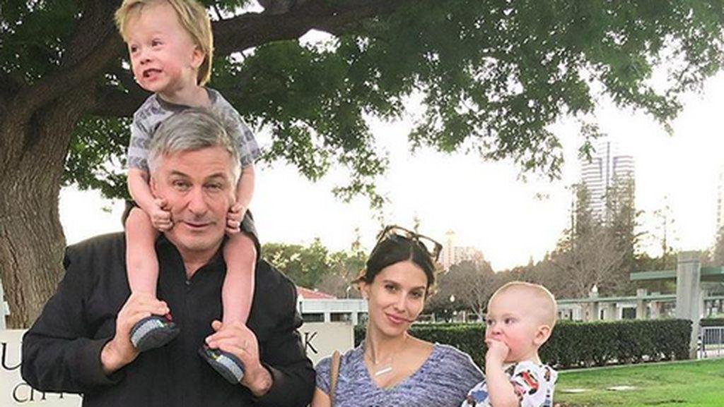 Curhat Istri Alec Baldwin tentang Rambut Rontok Usai Melahirkan