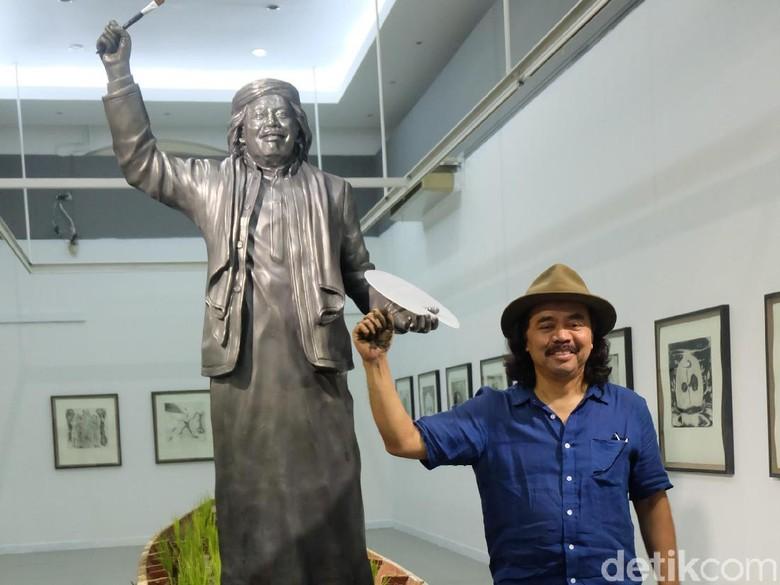Tisna Sanjaya Bawa Karya Instalasi Respons Kondisi Indonesia ke Australia Foto: Tia Agnes/ detikHOT