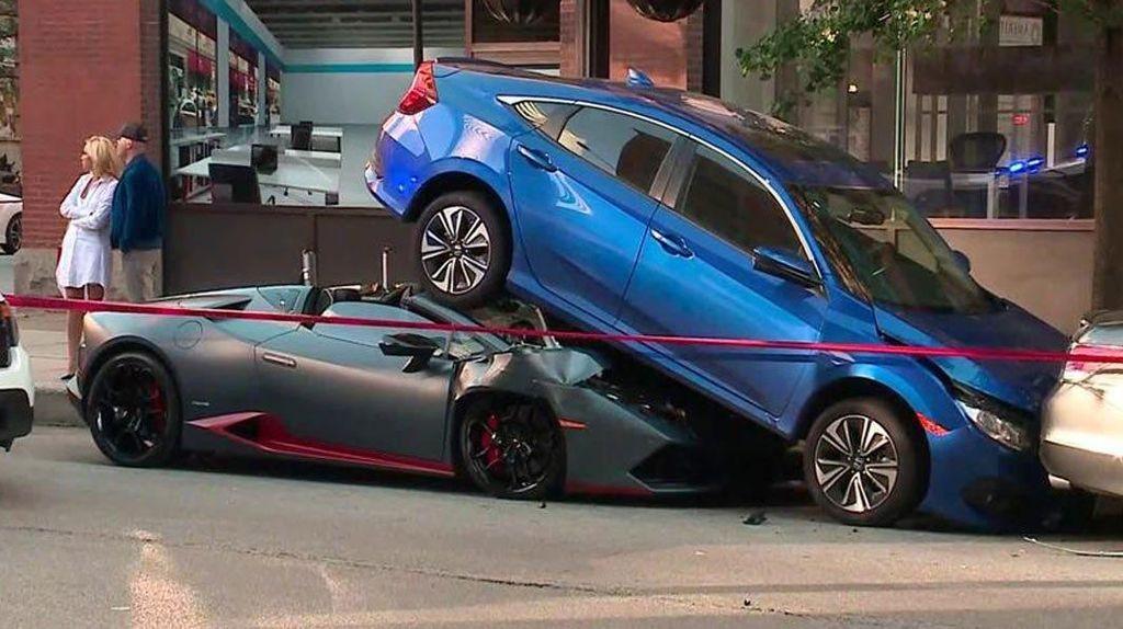 Lamborghini Seruduk Honda Civic, Pemilik Langsung Beli Gantinya