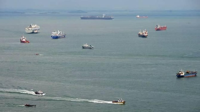 File photo of the Singapore Strait. (Photo: AFP)