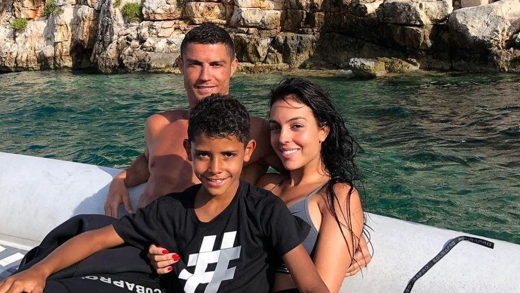 Hal-hal Ini Tunjukkan Cristiano Ronaldo adalah Sosok Family Man