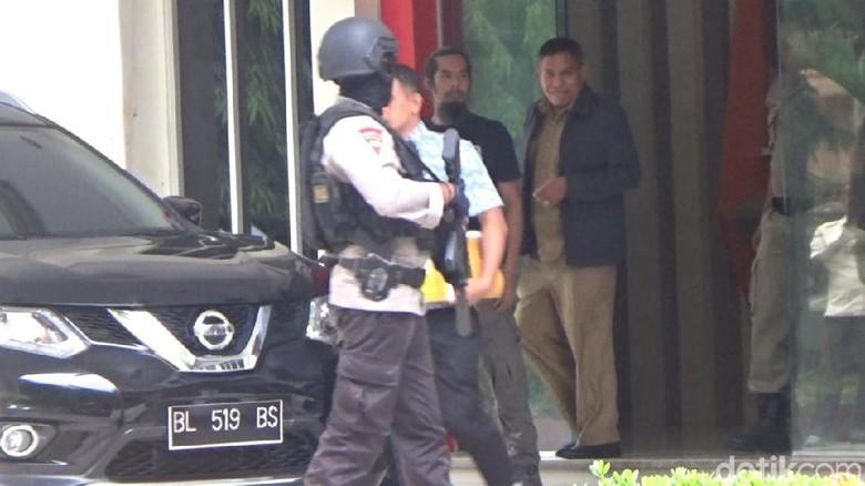 Usai Geledah Kantor Dispora, KPK Angkut Kadispora Aceh