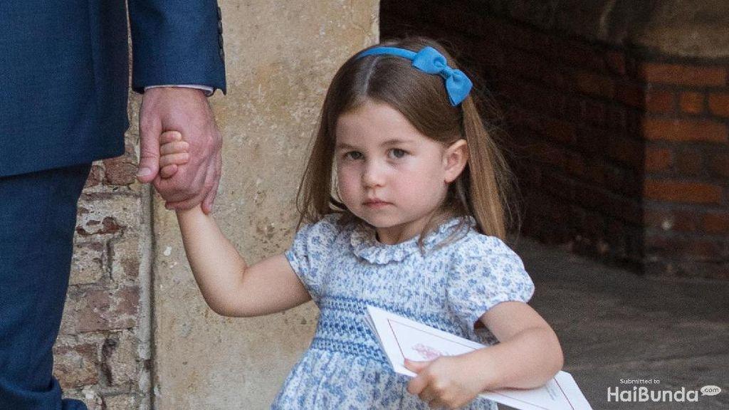Begini Momen Saat Putri Charlotte Tunjukkan Ekspresi Judesnya