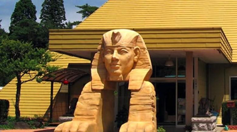 Onsen di bangunan berbentuk Piramida (Pyramid Genki Onsen)