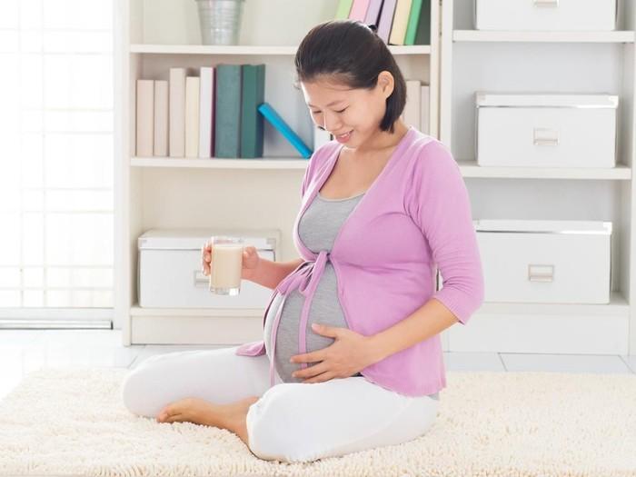 Pentingnya konsumsi susu khusus kehamilan bagi calon ibu/Foto: shutterstock