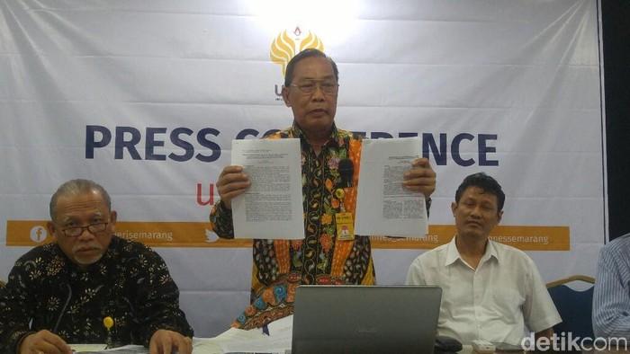 Tim investigasi dugaan plagiasi di Unnes Semarang (Foto: Angling Adhitya Purbaya/detikcom)