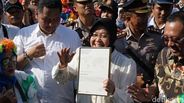 Wah, Lee Kuan Yew City Prize Diarak Risma Keliling Kota