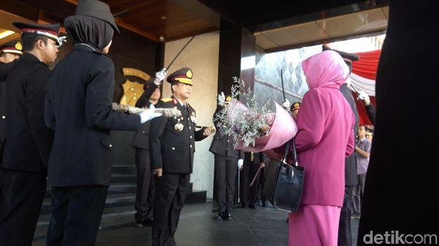 Pimpin Upacara Purna Bhakti, Kapolda Jatim Ingin Tambah Personel