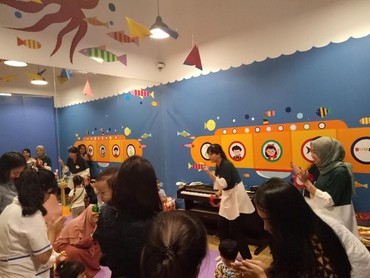Selain diisi oleh kelas vendor, ada pula in-house activity yang dirancang oleh tim Buumi Playscape. Kegiatannya antara lain membuat origami, sepakbola, hingga kelas menyanyi, yang kegiatannya berlangsung pukul 11.00 - 17.00 WIB.