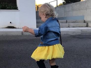Si kecil Mia adalah buah hati Antoine Griezmann dan istrinya, Erika Choperena, yang lahir pada 8 April 2016. (Foto: Instagram @antogriezmann)