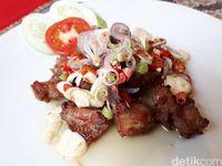 Arjuna Cafe: Bernostalgia dengan Ayam Arjuna dan Kari Ayam Berbumbu Melayu