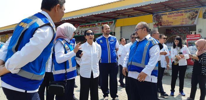 Upaya ini telah dilakukan oleh PT Jasa Marga (Persero) Tbk, yang memaksimalkan rest area untuk mengembangkan Usaha Mikro Kecil Menengah (UMKM). Pool/Kementerian BUMN.