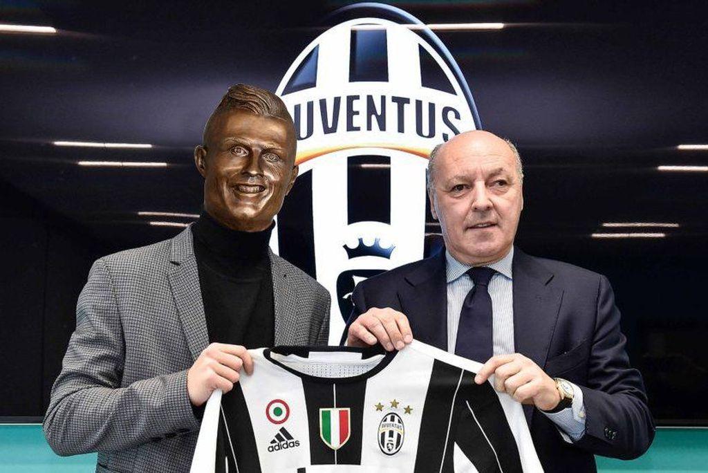 Cristiano Ronaldo resmi diperkenalkan oleh Juventus, tapi kok kepalanya agak aneh ya. Foto: Istimewa/Twitter