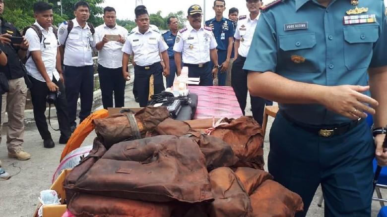 Kapal Penumpang Over Kapasitas di Riau Diamankan TNI AL