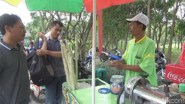 Penjual Es Tebu Naik Haji, Istri: Suami Tak Tahu Punya Tabungan
