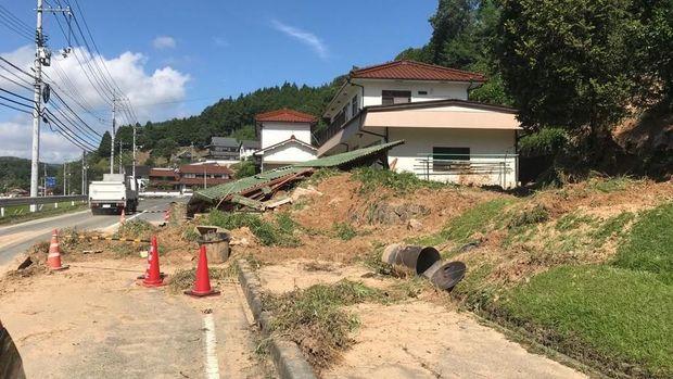 Jalan yang ditempuh KJRI Osaka untuk menyalurkan bantuan.