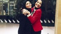 Bersama Zaskia Sungkar, Vivi menekuni dunia fashion hijab.Dok. Instagram/vivizubedi