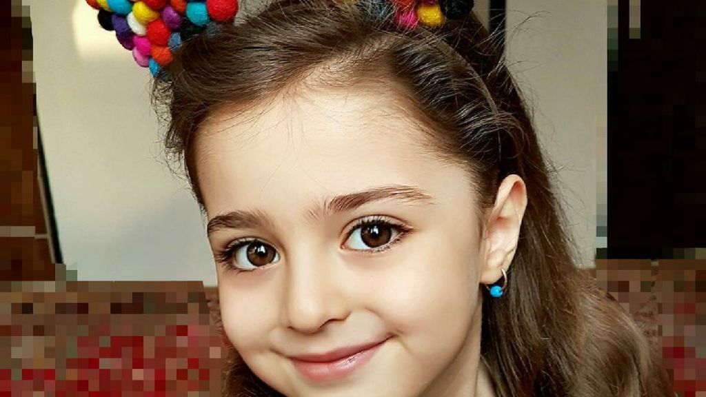 Mahdis Mohammadi, Bocah Asal Iran yang Cantik Seperti Boneka