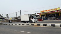 Pemotor Tewas Tertimpa Baliho Partai di Bekasi