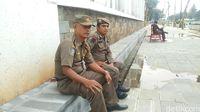 Zuhri, anggota Satpol PP Provinsi DKI Jakarta (Randy/detikTravel)
