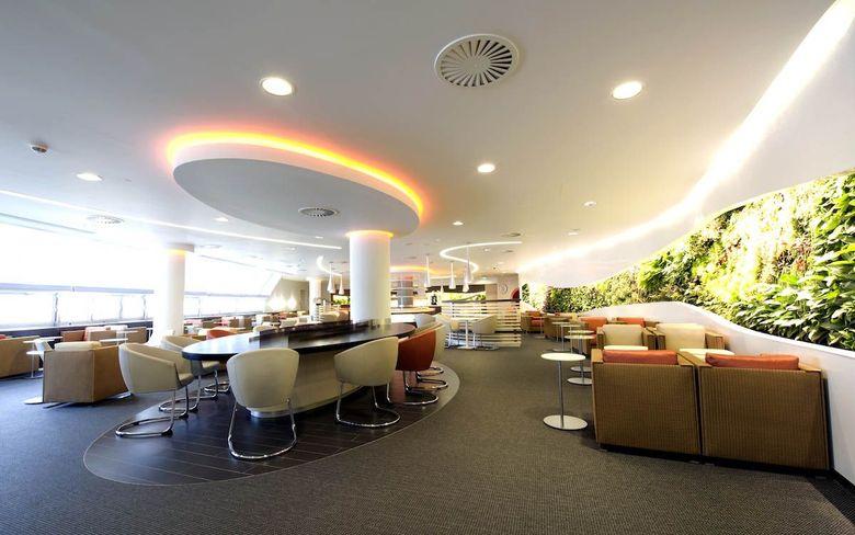 SkyTeam Lounge, Terminal 4 Bandara London Heathrow. Lounge ini bisa dinikmati dengan tarif sebesar US$ 53,6. Istimewa/SkyTeam Lounge.