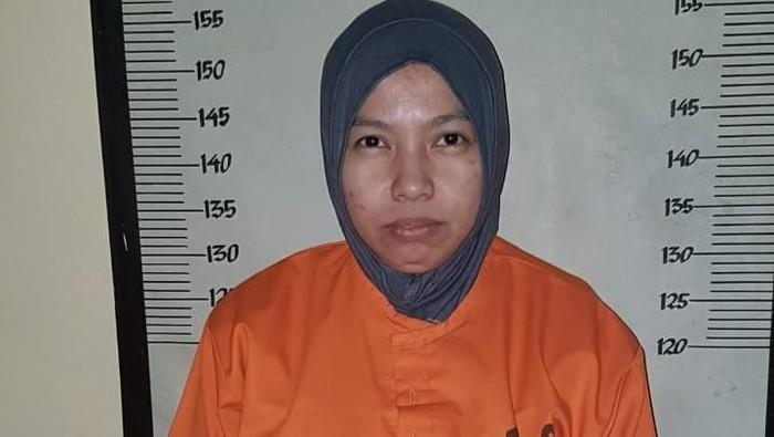 Foto: Istri CEO Abu Tours, Nusyariah jadi tersangka dan ditahan (ist.)
