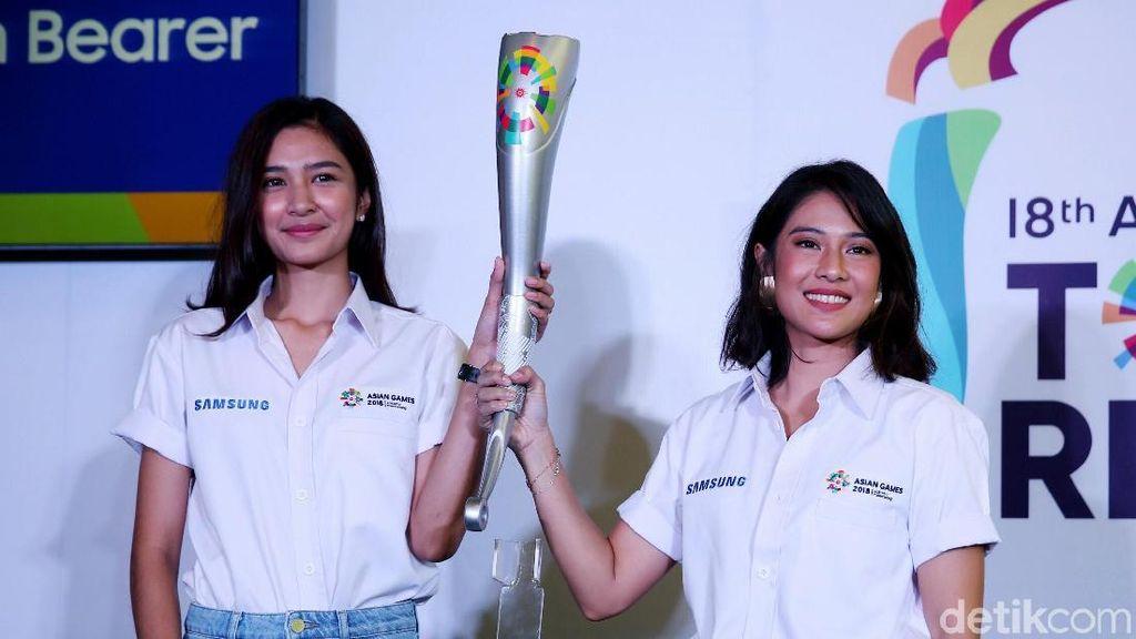 Bawa Obor Asian Games 2018, Dian Sastro dan Mikha Tambayong Bangga