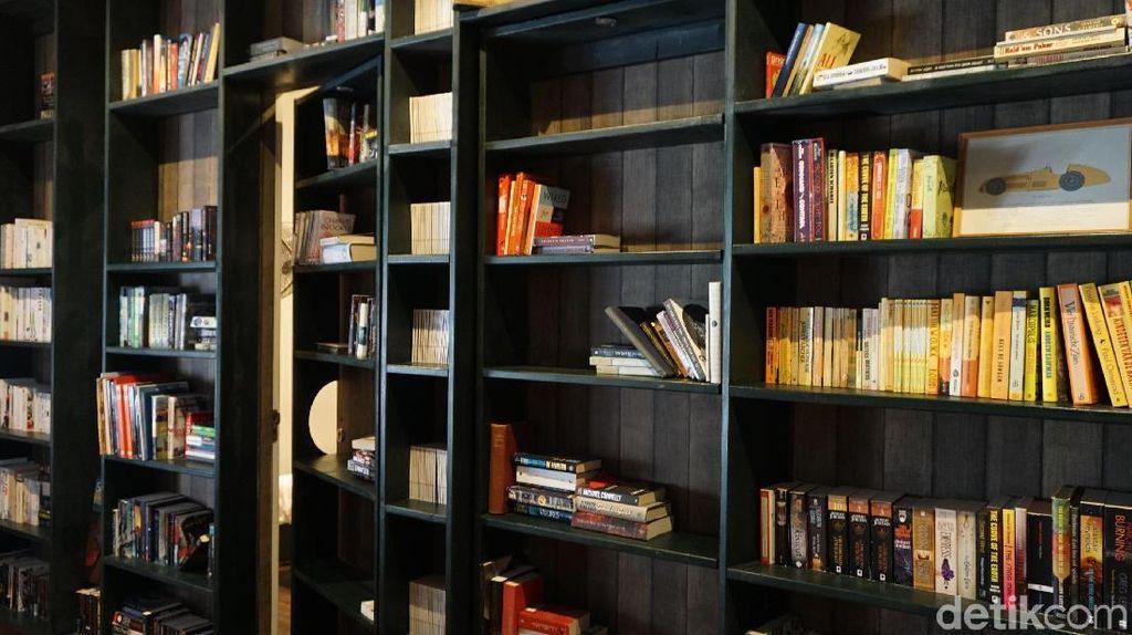 Foto: Kamar Hotel Tersembunyi di Balik Rak Buku