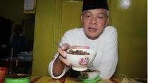 Aksi Ganjar Pranowo Saat Berburu Tengkleng hingga Ngulek Sambel
