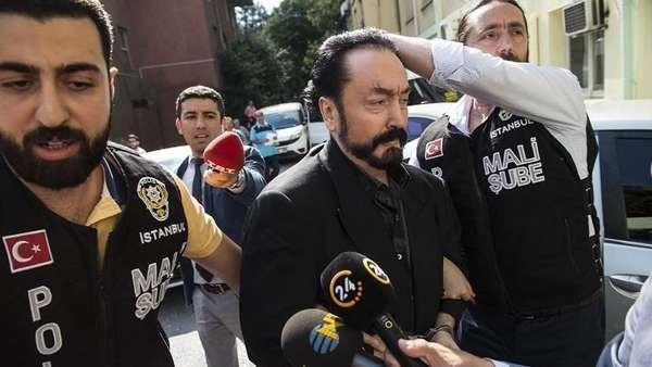 Pengawal Sempat Lawan Polisi Turki yang Tangkap Harun Yahya