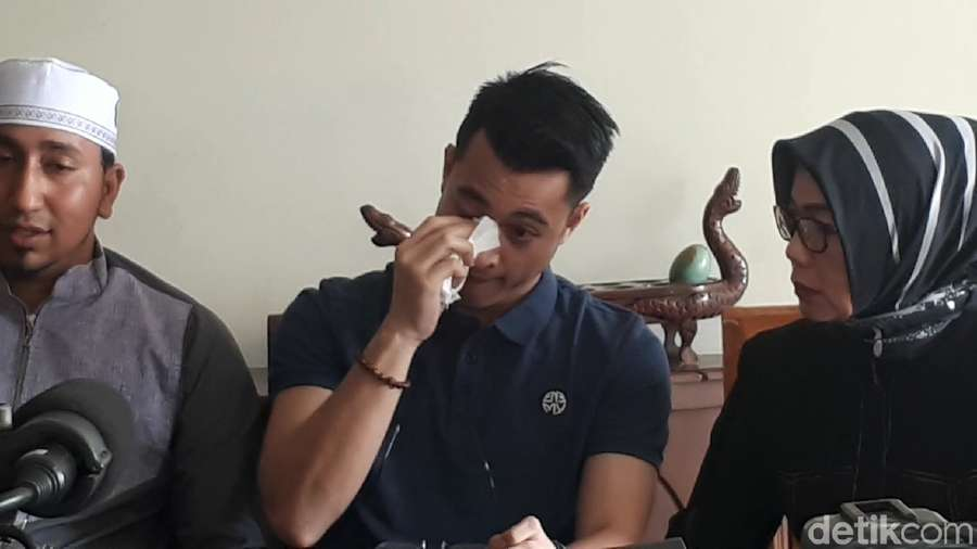 Nikita Mirzani Berhijab, Pesona Meiza Aulia hingga Tangisan Eza Gionino