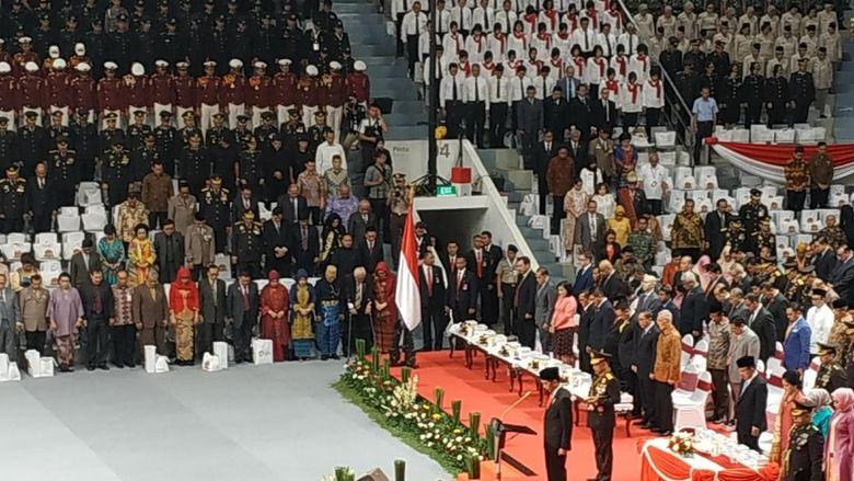 Jokowi Ucapkan Terima Kasih ke Anggota Polri Jaga Ketertiban Pilkada