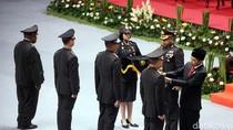 17 Polisi Dapat Penghargaan di HUT Polri Ke-72