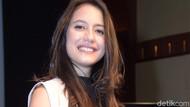 Pevita Pearce Hitamkan Kulit dan Ubah Rambut di Rumah Merah Putih
