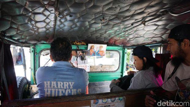 Jeepney di Manila