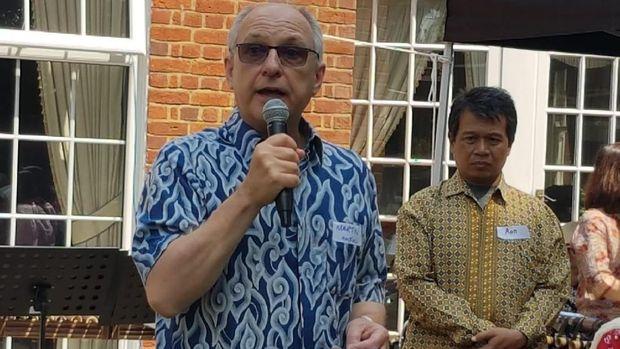 Mantan Dubes Inggris untuk Indonesia, Martin Hatfull, yang juga Ketua AIS