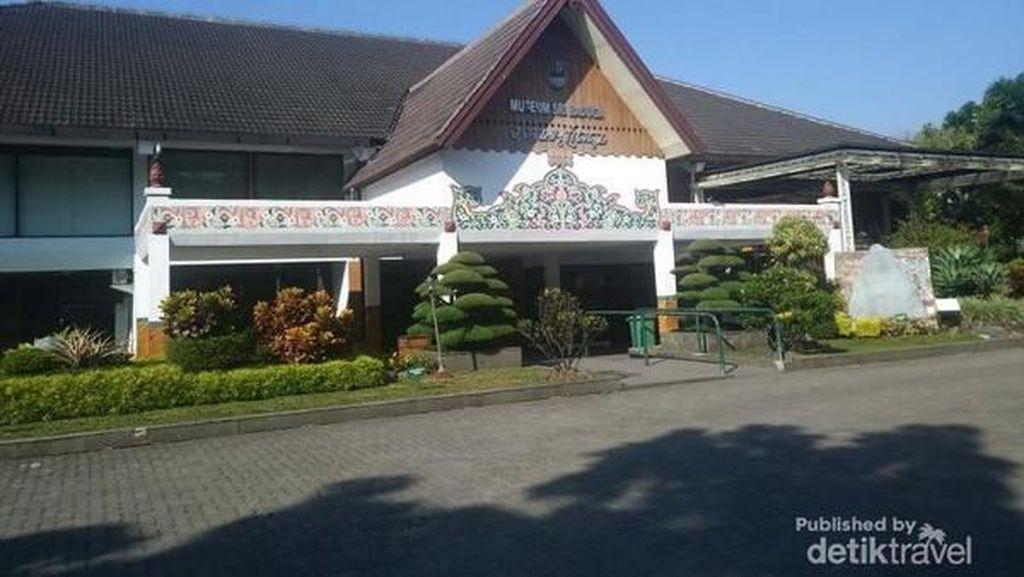Wisata Sejarah di Bandung, Ke Museum Sri Baduga Yuk!