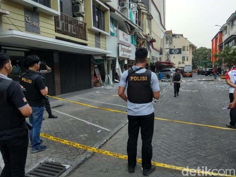Polisi Sterilisasi Lokasi Ledakan Ruko di Kebayoran Baru