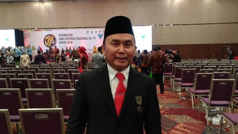 Majukan Kalteng, Sugianto Sabran Terima Penghargaan dari Presiden